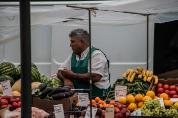 Vegetable and fruit stand