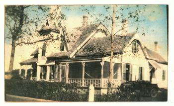 Vintage photo Victorian house