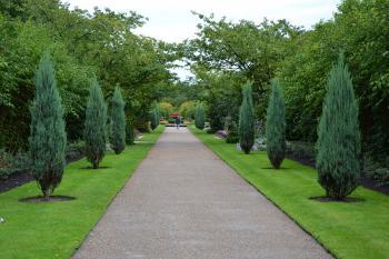 Walkway in Regents park