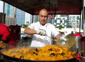 Who wants paella?
