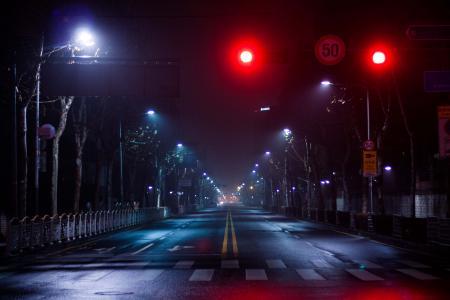 밤거리 교차로 신호등 Street at night