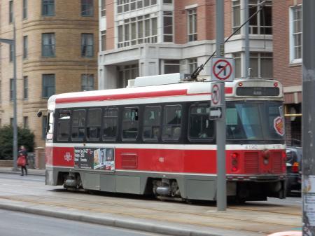 512 streetcar on St. Clair, 2013 01 12 (2)