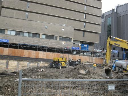 A Ryerson buiding being built on the site of the old Sam the Record Man -br.JPG