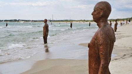Anthony Gormley Statue
