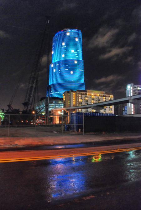 Blue Skyscraper, Miami, January 2007