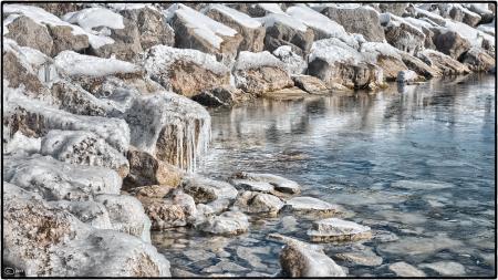 Breakwater, Lake Ontario