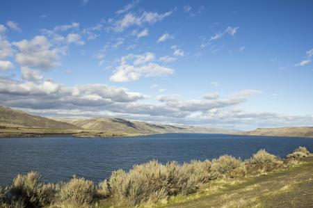 Columbia River on the east side of Oregon