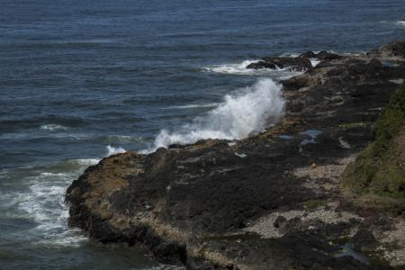 Devil's Churn, Oregon, Crashing Waves