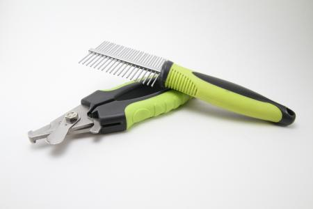 Dog brush & nail clippers
