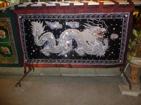Dragon on the Clothe