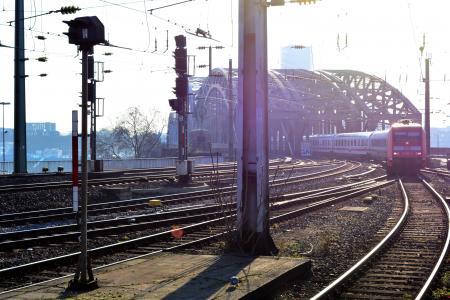 Einfahrt am Kölner Hauptbahnhof