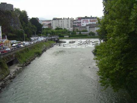 Gave de Pau river (Lourdes)