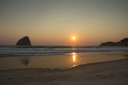 Golden sunset at Cape Kiwanda, Oregon