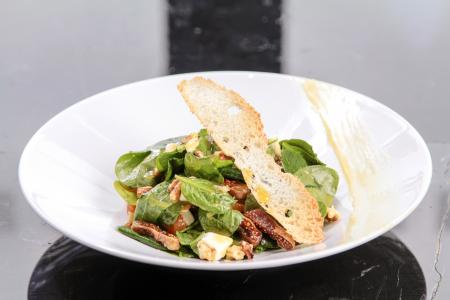 Green Salad With Bread