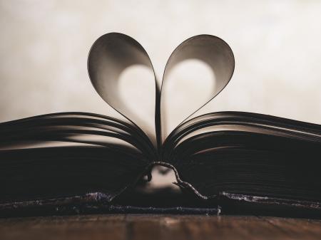 Hear Shape Book Paper