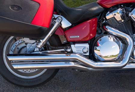 Honda VTX 1800 C 2007 - exhaust pipes