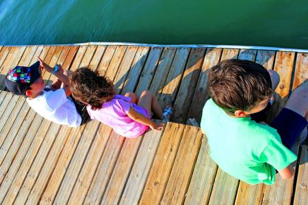Kids talking on the pier