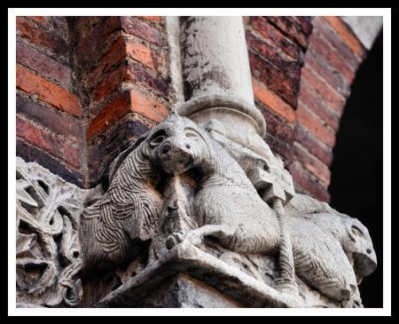 Milano, Basilica di Sant'Ambrogio, capitelli