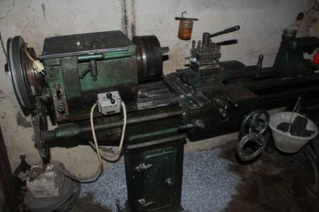 Old Metalworking Lathe Machine