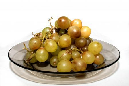 Old vine cluster