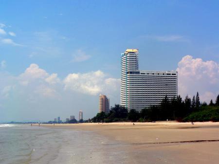 Quiet beach scene at Cha Am, Thailand