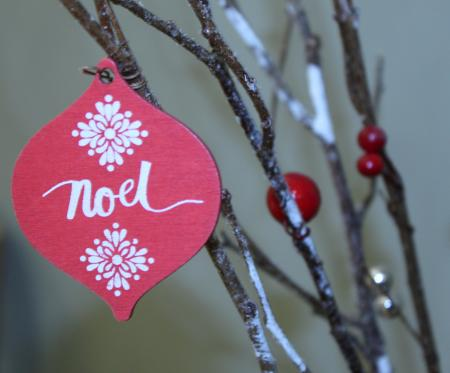 Red and White Noel Print Decor