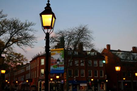 Street colonial lamps