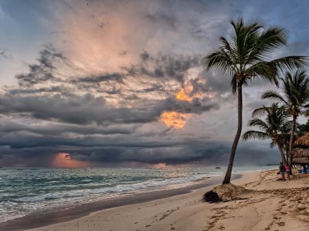 Sunrise storm coming