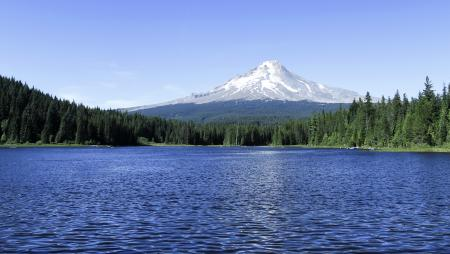 Trillium Lake, in summer, Oregon