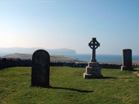 Trumpan Churchyard and Celtic Cross