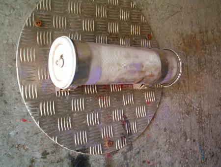 Tube bolted on a steel plate
