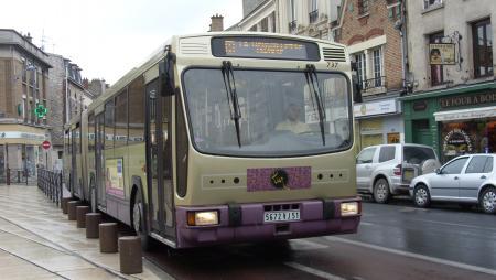 TUR - RVI PR180.2 n°737 - Ligne A